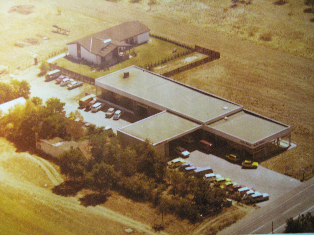 Das heutige Autohaus im Jahr 1975
